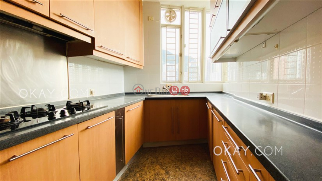 HK$ 27,900/ month, L\'Hiver (Tower 4) Les Saisons Eastern District | Elegant 2 bedroom on high floor with sea views | Rental