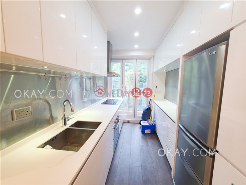 HK$ 50,000/ month Block B Dragon Court, Eastern District Unique 3 bedroom with balcony & parking | Rental