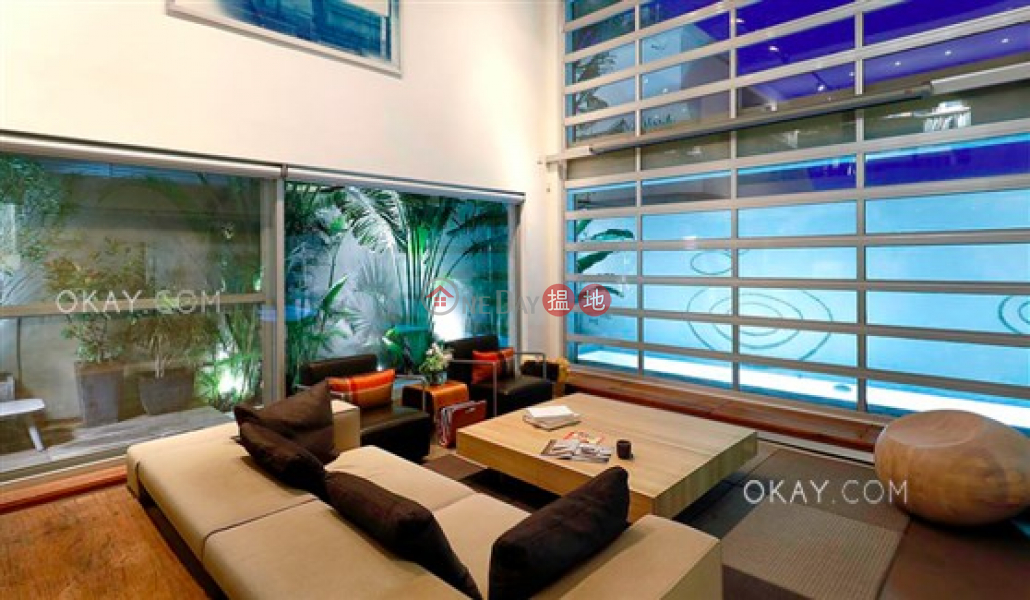 Beautiful house with rooftop, terrace   For Sale   4 Hoi Fung Path 海風徑 4 號 Sales Listings
