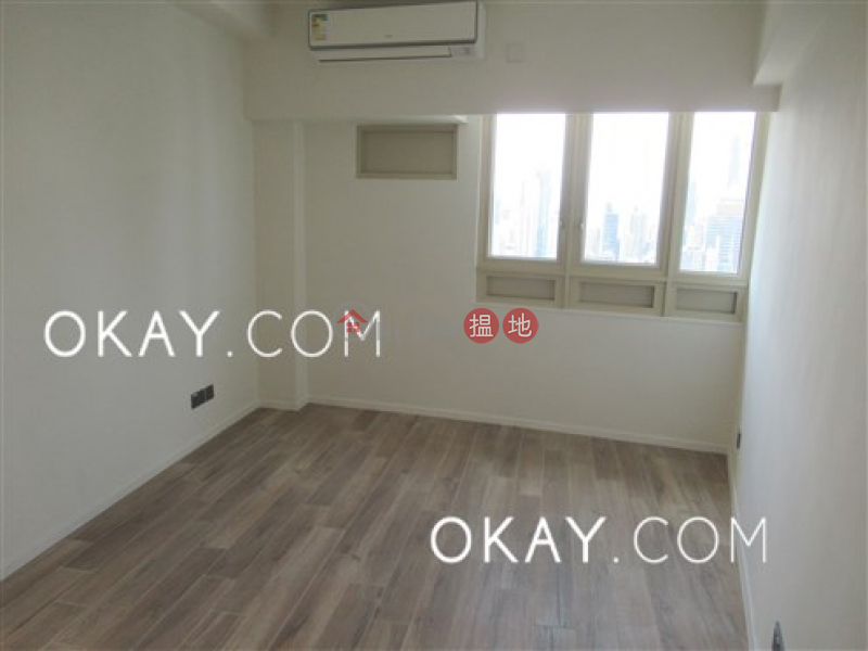 HK$ 60,000/ 月勝宗大廈中區-1房2廁,極高層《勝宗大廈出租單位》