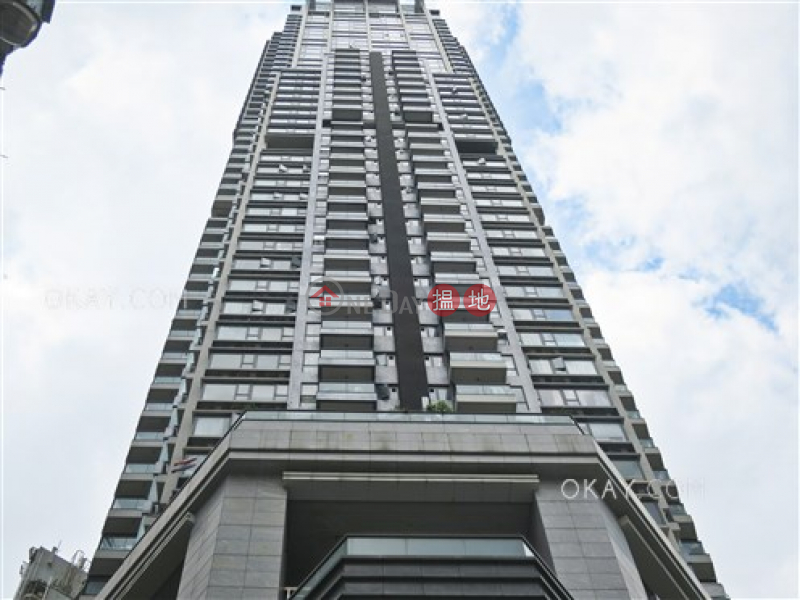 HK$ 17.5M | The Oakhill Wan Chai District | Elegant 2 bedroom with balcony | For Sale