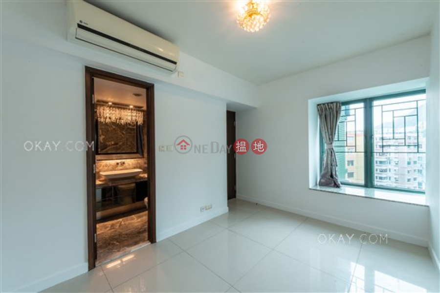 Property Search Hong Kong | OneDay | Residential | Sales Listings | Luxurious 3 bed on high floor with rooftop & parking | For Sale