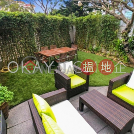 Luxurious house with rooftop & parking | For Sale
