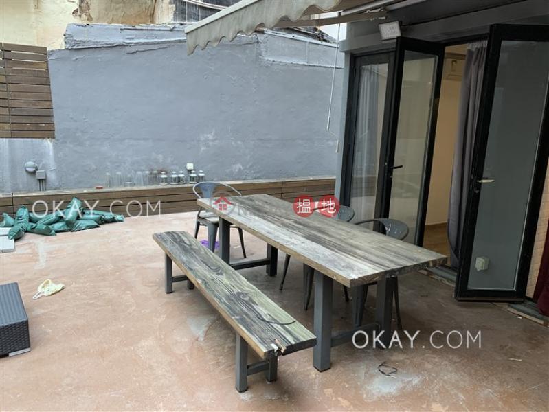 1房1廁《八達大廈出租單位》|灣仔區八達大廈(Pak Tak Building)出租樓盤 (OKAY-R67805)