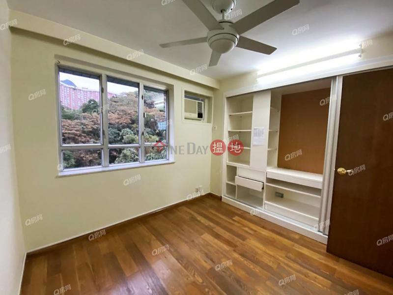 HK$ 39,000/ month Block 19-24 Baguio Villa | Western District | Block 19-24 Baguio Villa | 3 bedroom High Floor Flat for Rent