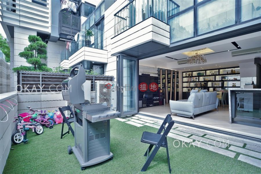 Luxurious 3 bedroom with balcony & parking | For Sale 8 Fo Chun Road | Tai Po District, Hong Kong Sales, HK$ 23.88M