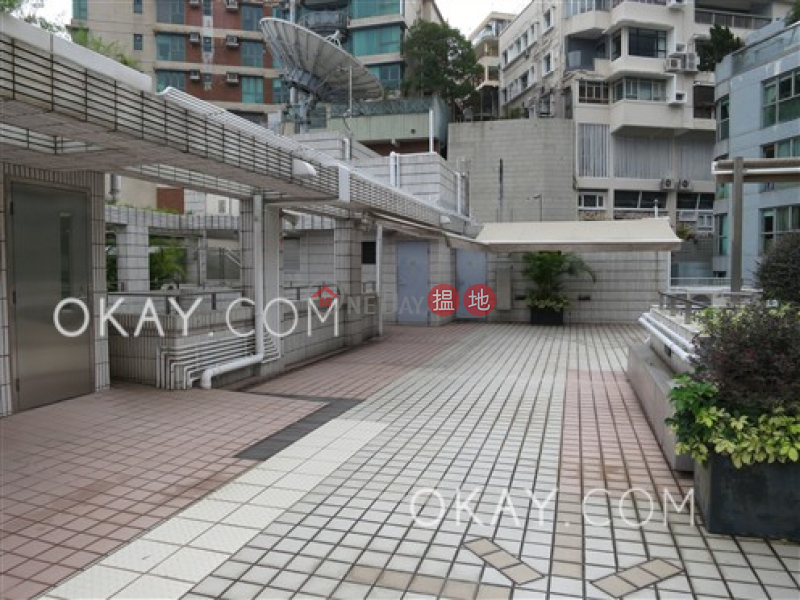 HK$ 45,000/ month 12 Tung Shan Terrace Wan Chai District Tasteful 2 bedroom with balcony | Rental