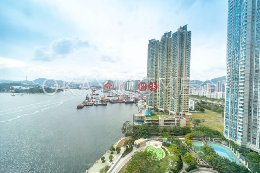 Luxurious 3 bedroom with balcony | Rental | Tower 2 The Long Beach 浪澄灣2座 Rental Listings