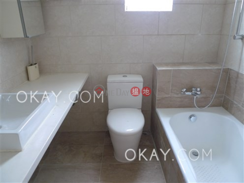 Tasteful 3 bedroom with balcony   Rental, Monticello 滿峰台 Rental Listings   Eastern District (OKAY-R57983)