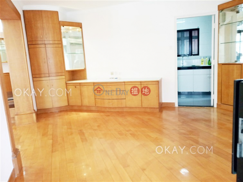 Luxurious 3 bedroom with balcony & parking | Rental | 99 Caine Road | Central District, Hong Kong Rental HK$ 45,000/ month