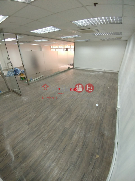 Brand New Decoration Toilet inside, Gold King Industrial Building 金基工業大廈 Rental Listings | Kwai Tsing District (oscar-05534)