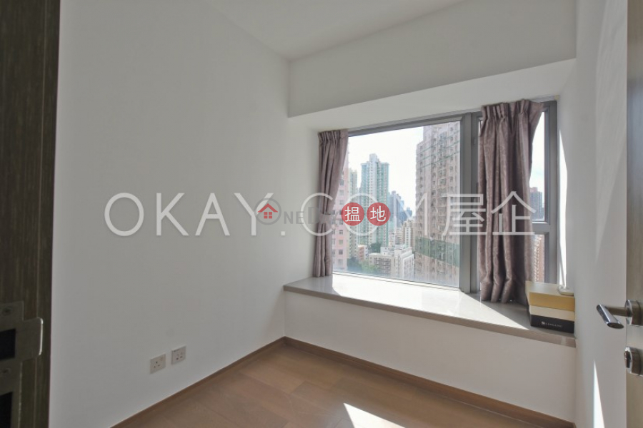 Luxurious 2 bedroom with balcony | Rental | Centre Point 尚賢居 Rental Listings