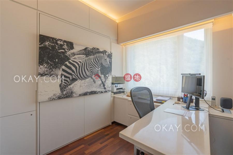 POKFULAM COURT, 94Pok Fu Lam Road   High, Residential Sales Listings HK$ 35M
