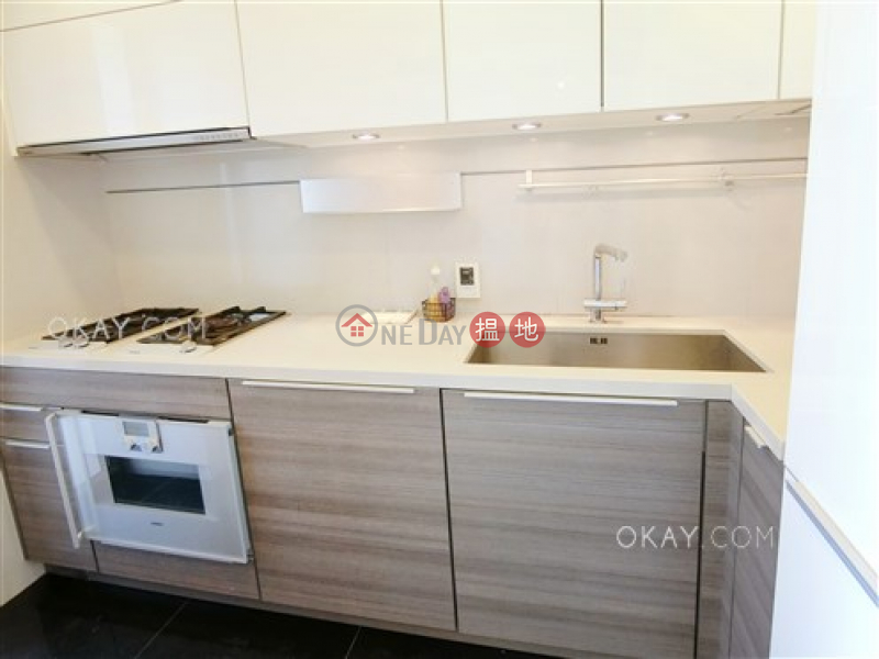 Luxurious 2 bedroom with balcony | Rental | Harbour One 維壹 Rental Listings