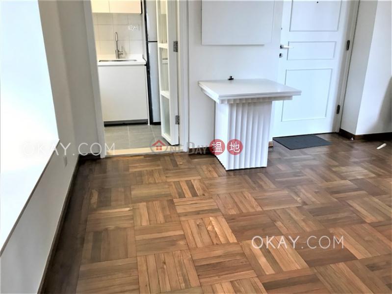HK$ 30,000/ month | Scenic Rise | Western District Tasteful 2 bedroom in Mid-levels West | Rental