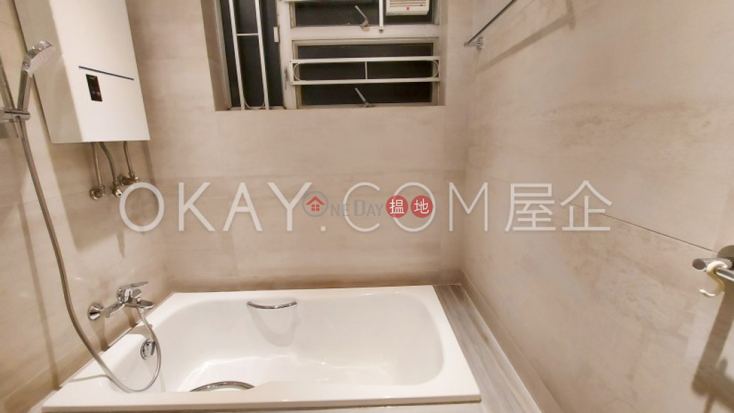 HK$ 105,000/ month, Victoria Height | Wan Chai District, Efficient 4 bedroom with parking | Rental