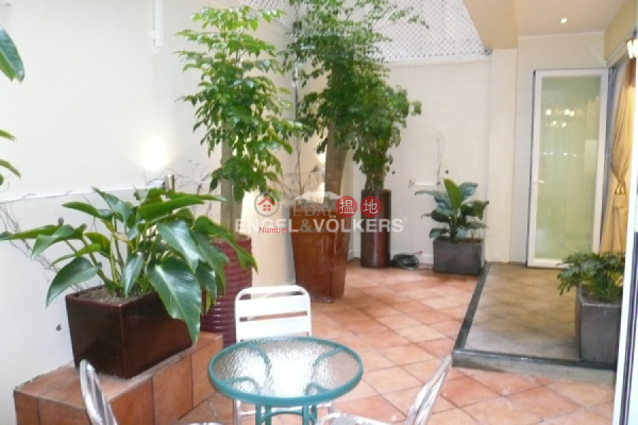 2 Bedroom Flat for Sale in Central Mid Levels, 33-35 Robinson Road | Central District Hong Kong | Sales HK$ 10.5M