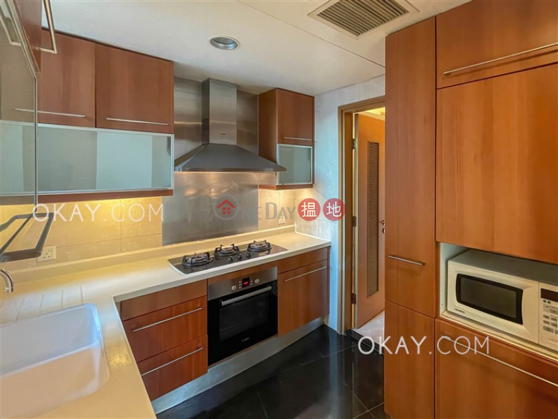 HK$ 41,000/ month | Parc Palais Tower 8 | Yau Tsim Mong Charming 3 bedroom with harbour views & balcony | Rental