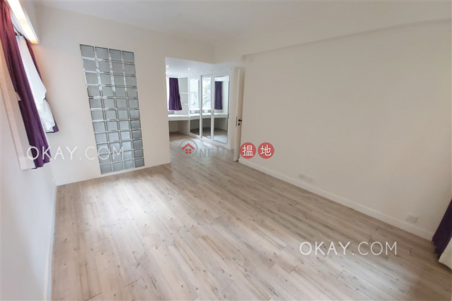 HK$ 55,000/ month, Conway Mansion, Western District | Efficient 3 bedroom with parking | Rental
