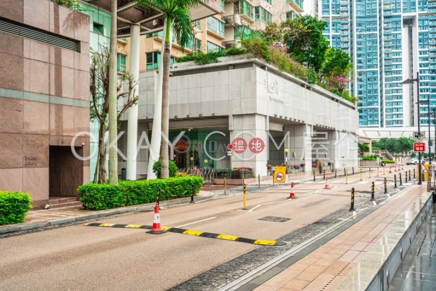 Elegant 3 bedroom in Kowloon Station | Rental | The Waterfront Phase 1 Tower 3 漾日居1期3座 Rental Listings