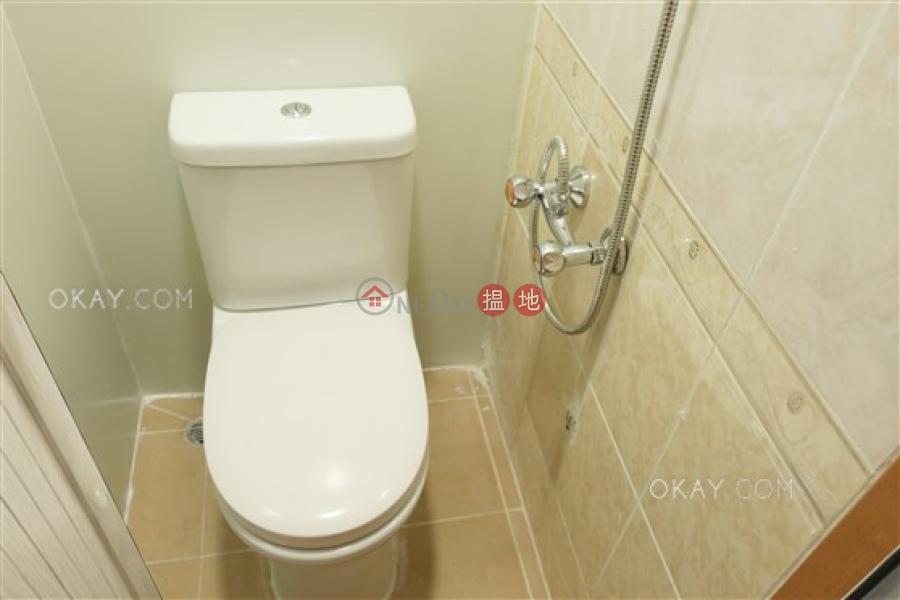 HK$ 2,500萬富豪閣東區-3房2廁,極高層,連車位,露台《富豪閣出售單位》