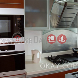 Unique 2 bedroom on high floor with sea views & balcony | For Sale