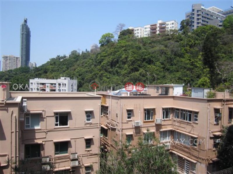 Charming 3 bedroom with balcony & parking | Rental | 130-132 Green Lane Court 箕璉閣130-132號 Rental Listings
