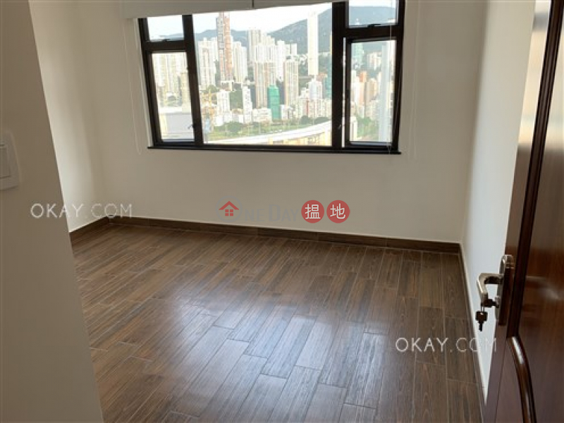 Rare penthouse with racecourse views, rooftop   Rental   Beverly Court 嘉美閣 Rental Listings