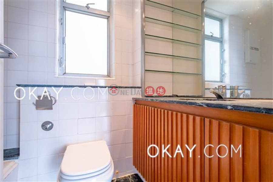 HK$ 50,000/ month The Rozlyn Southern District | Gorgeous 3 bedroom with balcony & parking | Rental