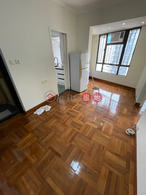 ** Good for Inventment ** High Floor & Bright, Renovated, Convenient Location, Easy Access to Public Transports Kam Fung Mansion(Kam Fung Mansion)Sales Listings (E81215)_0