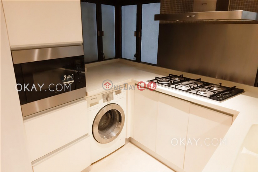 Rare 3 bedroom on high floor with balcony & parking | Rental | Holland Garden 康蘭苑 Rental Listings