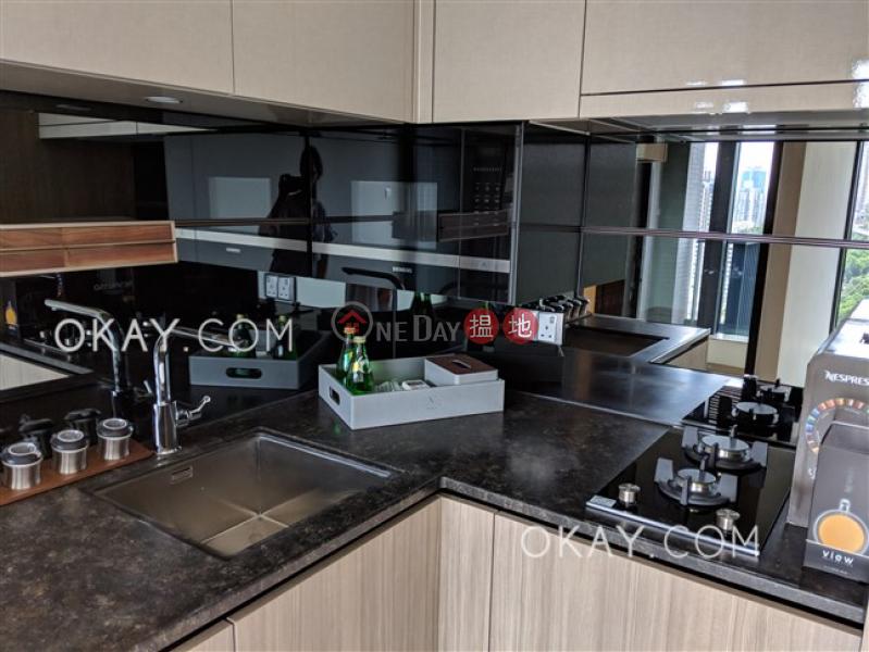 HK$ 900萬|君豪峰-東區-1房1廁,極高層,星級會所,露台《君豪峰出售單位》
