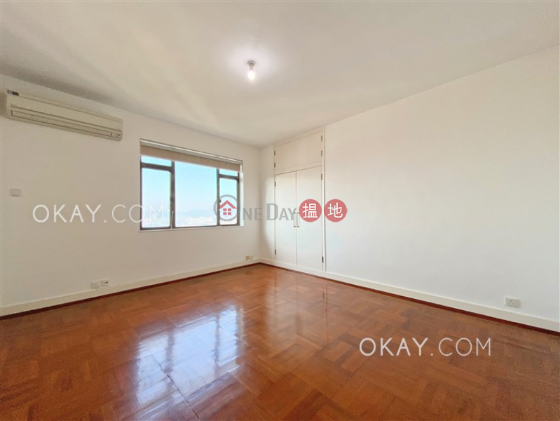 Lovely 4 bedroom with balcony & parking   Rental   Piccadilly Mansion 碧苑大廈 Rental Listings