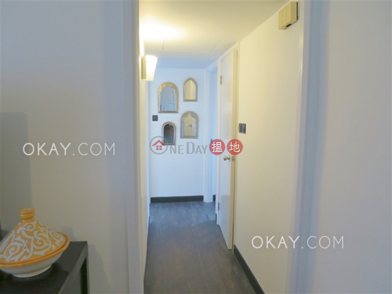HK$ 48,000/ month | Robinson Heights, Western District | Tasteful 2 bedroom on high floor with rooftop | Rental