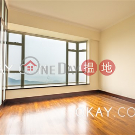 Beautiful 4 bedroom with sea views, balcony | Rental