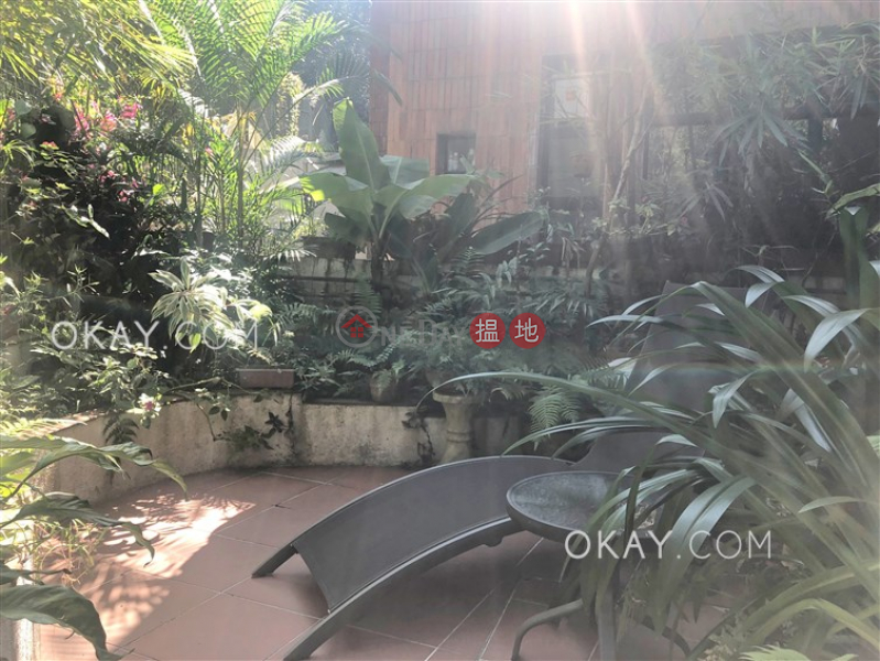 Gorgeous 3 bedroom with terrace & parking | For Sale | Kambridge Garden 金璧花園 Sales Listings