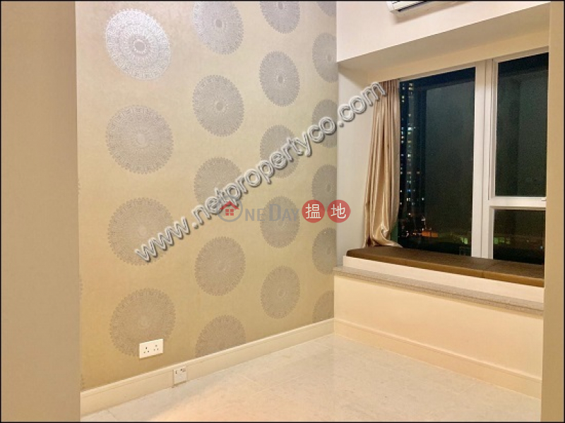 Large flat with balcony for lease in Lohas Park | Irises (Tower 10 - R Wing) Phase 2C La Splendeur Lohas Park 日出康城 2期C 領凱 10座 (右翼) Rental Listings