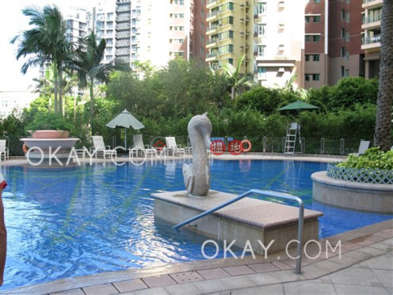 Gorgeous 2 bedroom on high floor with balcony | For Sale | Discovery Bay, Phase 13 Chianti, The Hemex (Block3) 愉景灣 13期 尚堤 漪蘆 (3座) Sales Listings