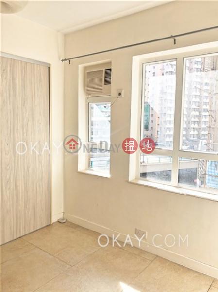 2房1廁《怡興大廈出租單位》-13-19禮頓道 | 灣仔區香港|出租HK$ 25,000/ 月