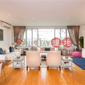 Gorgeous house with sea views | For Sale