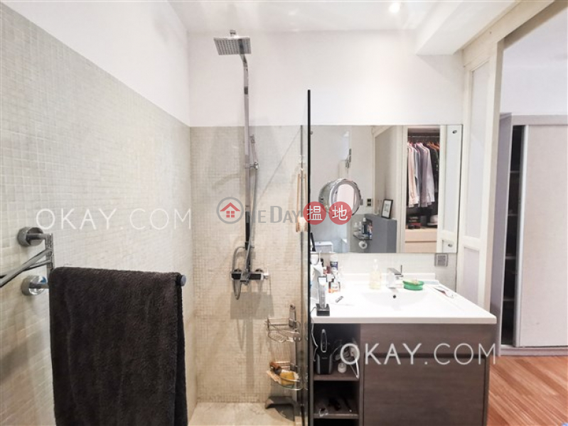 Tasteful 1 bedroom with parking | Rental, Moon Fair Mansion 滿輝大廈 Rental Listings | Wan Chai District (OKAY-R165977)