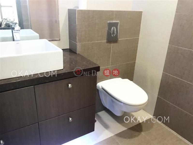 HK$ 26,000/ month | Honor Villa Central District, Generous 2 bedroom in Mid-levels West | Rental