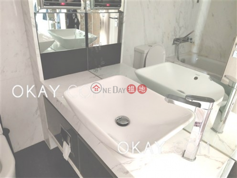 HK$ 57,000/ month, Centre Point, Central District | Unique 3 bedroom on high floor with sea views & balcony | Rental