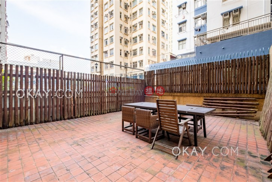 Intimate 1 bedroom in Quarry Bay | For Sale | Hoi Kwong Court 海光苑 Sales Listings