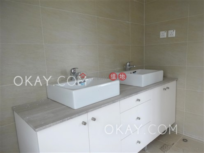 Property Search Hong Kong | OneDay | Residential Rental Listings | Luxurious house with rooftop, balcony | Rental