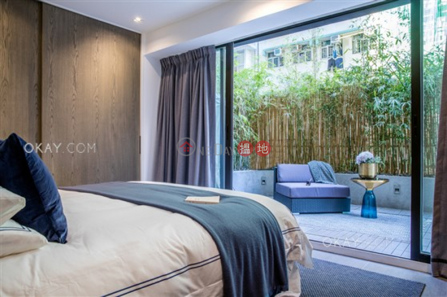 HK$ 25M, Hang Sing Mansion | Western District Tasteful 2 bedroom with terrace | For Sale
