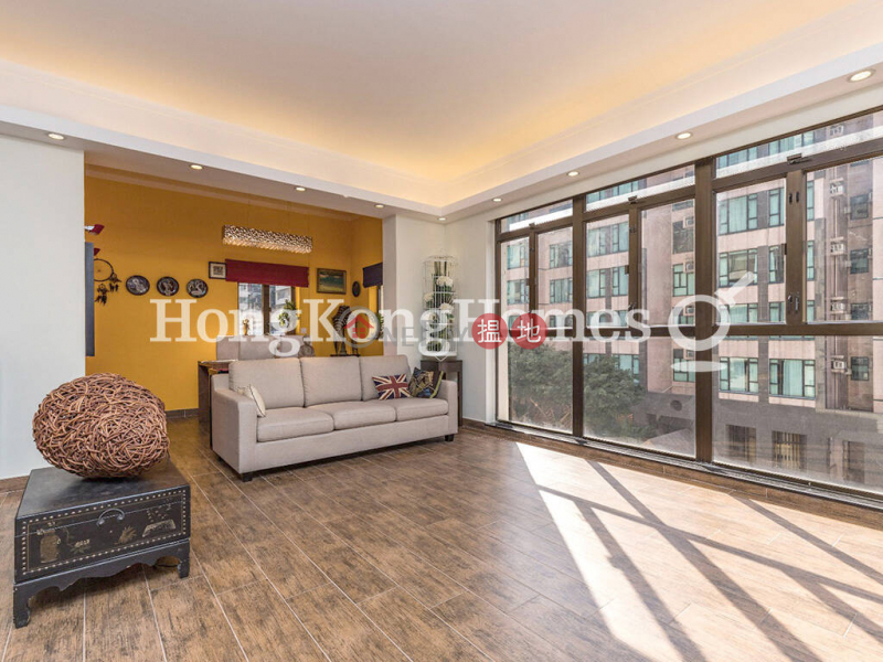 3 Bedroom Family Unit at 79-81 Blue Pool Road   For Sale   79-81 Blue Pool Road 藍塘道79-81號 Sales Listings