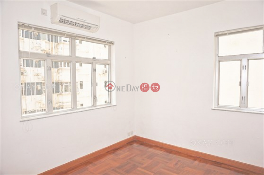 HK$ 30,000/ month Po Tak Mansion | Wan Chai District | Rare 2 bedroom with balcony | Rental