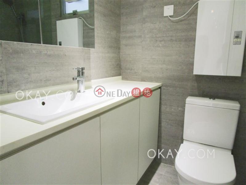 Efficient 3 bedroom with balcony & parking | Rental | POKFULAM COURT, 94Pok Fu Lam Road 碧林閣 Rental Listings