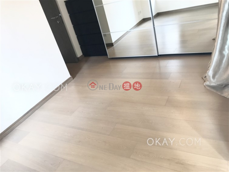 Popular 2 bedroom on high floor with balcony   For Sale   Centre Point 尚賢居 Sales Listings